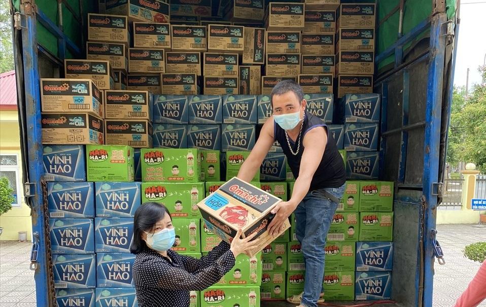Các sản phẩm thiết yếu của Masan nhanh chóng đến tay người lao động đang cách ly tại Bắc Ninh và Bắc Giang.jpg