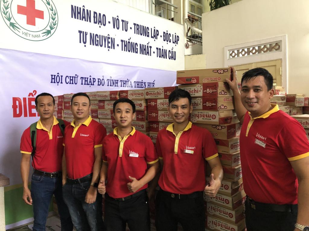 Ảnh 3_ Tập thể cán bộ nhân viên Masan chung tay cùng Tập đoàn đóng góp hỗ trợ cho đồng bào miền Trung ruột thịt.jpg